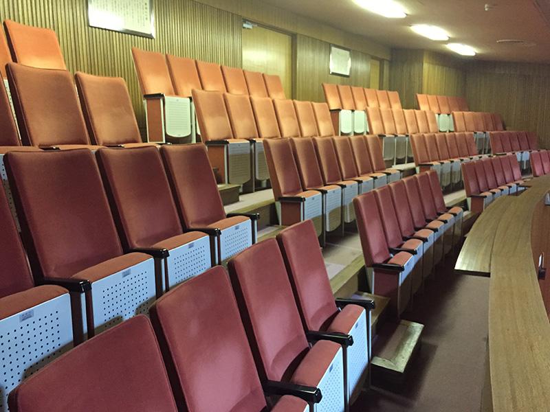 豊島区旧庁舎議場傍聴席